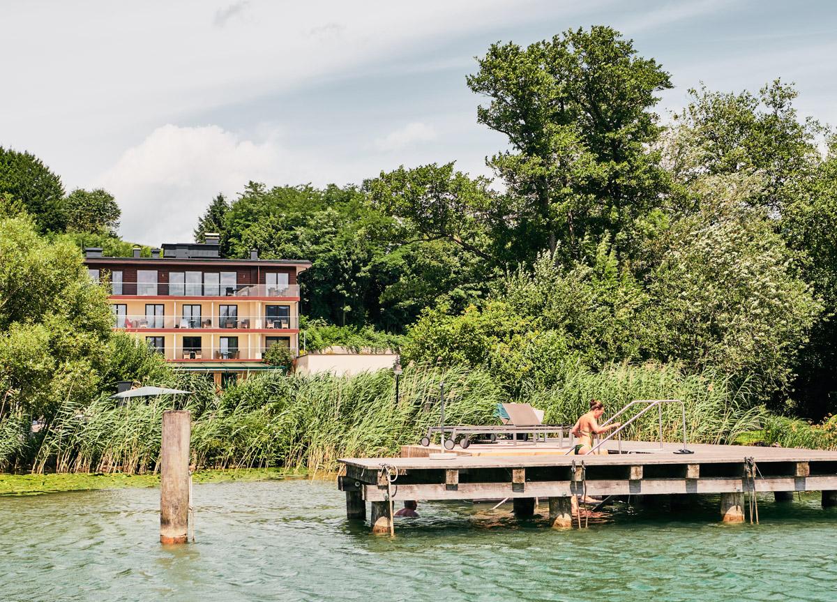 Hotel Lackner Außenansicht von Blickrichtung See