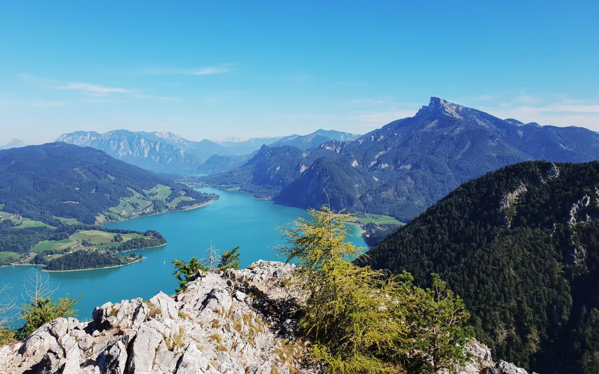 ausblick-von-drachenwand-auf-schafberg-und-den-mondsee-c-tvb-mondseeland.jpg